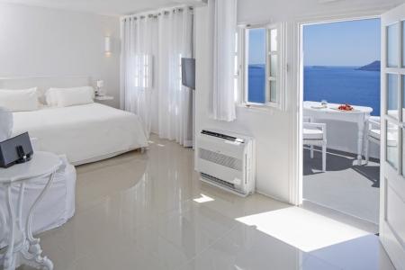 Kirini Suites & Spa